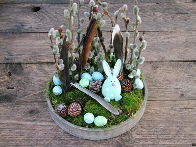 Húsvéti dísz nyuszival, tojásokkal