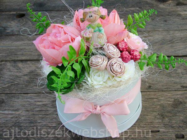 Nőknek szülinapra ajándék virágbox