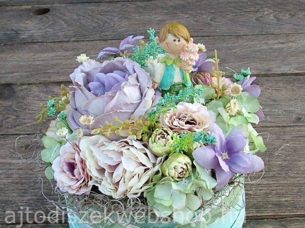 Menta-lila virágdoboz születésnapra