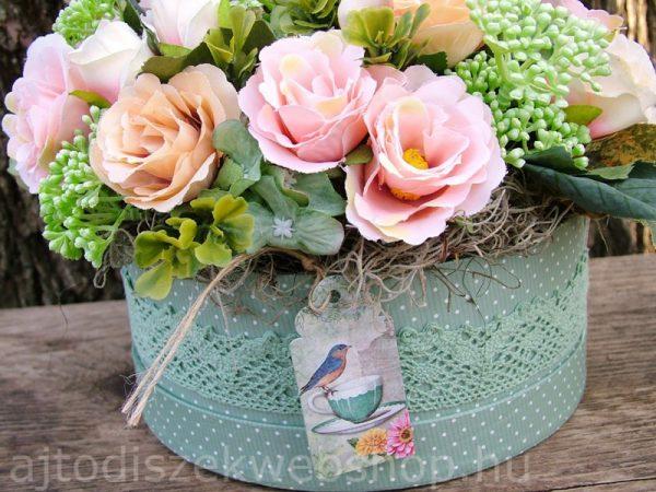 Virágok dobozban nőknek ajándék 10