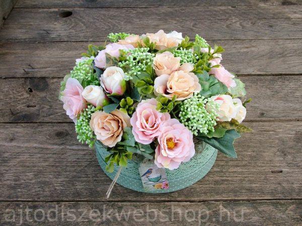 Virágok dobozban nőknek ajándék