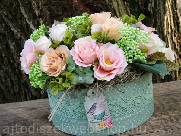 Virágok dobozban nőknek ajándék 9