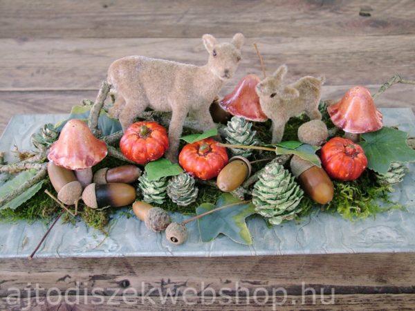 Őszi asztaldísz őzikékkel és mini tökökkel